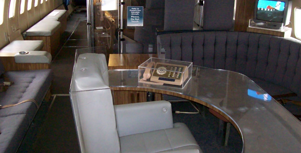 "Boeing VC-137B (707-120/SAM 970) ""Air Force One"" conference room"