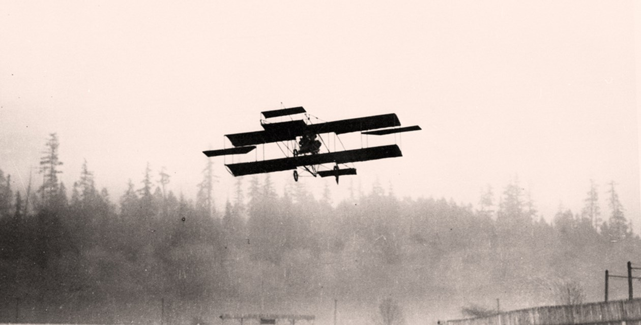 Hamilton's flight on March 11, 1910 - University of Washington Special Collections