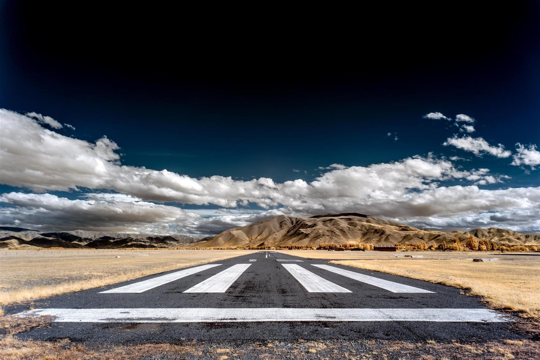 Runway Nowhere | Jean-christophe Dick